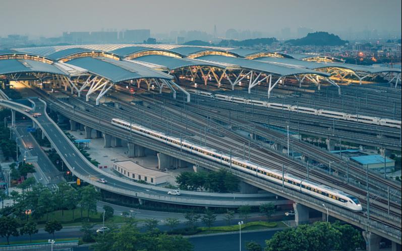 1 мая железнодорожный пассажиропоток в Китае достиг рекордно высокого уровн